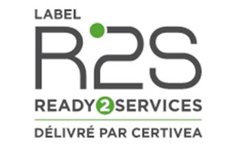 <p>La transition numérique implique une nouvelle manière de concevoir, de construire et d'exploiter le bâtiment. Une prise de conscience collective replace par ailleurs l'Humain au coeur des préoccupations afin d'apporter aux utilisateurs des bâtiments plus de confort et de lien social, tout en préservant l'environnement.</p> <p>Le référentiel du Label R2S a justement été construit sur la base du cadre de définition « Bâtiment connecté, bâtiment solidaire et humain » développé par la SBA et l'Alliance HQE-GBC qui vise à favoriser le déploiement du numérique comme facteur de création de valeur et d'inclusion et qui encourage les démarches volontaires pour le développement des bâtiments connectés et communicants en France.</p> <p>Le label R2S est bâti autour d'un référentiel qui décrit les moyens techniques et organisationnels à mettre en place pour accompagner cette transition numérique du bâtiment en répondant aux enjeux de la transformation des usages par le numérique.</p> <p>Ces moyens ont vocation à assurer des communications performantes avec un socle de connectivité fiable et à organiser l'interopérabilité des systèmes en intégrant des protocoles communs et des services dotés d'interfaces de programmation ouvertes. Le bâtiment devient une véritable plateforme de services, riche et évolutive dans le temps, gagnant par ailleurs en valeur d'usage.</p> <p>Le label R2S a ainsi pour vocation de préparer le bâtiment connecté et communicant à accueillir une multitude de services numériques, de le rendre ainsi adaptatif, agréable à vivre et apte à interagir avec son environnement pour, à terme, s'inscrire dans une démarche de ville durable et intelligente.</p>